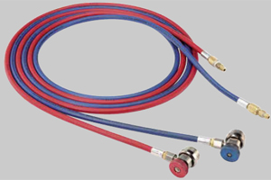Mostly suitable for large commercial vehicles. The equipment supply includes red and blue service hoses with a length of 6 m.